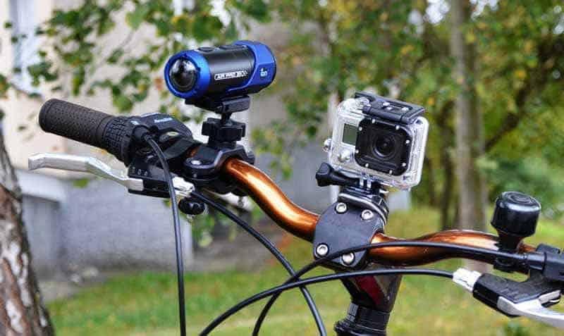 Экшен-камера – что это такое: крепление на велосипеде